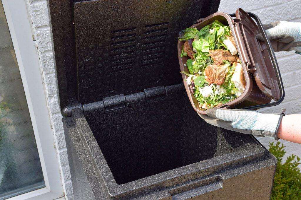 adding food waste to hotbin mini