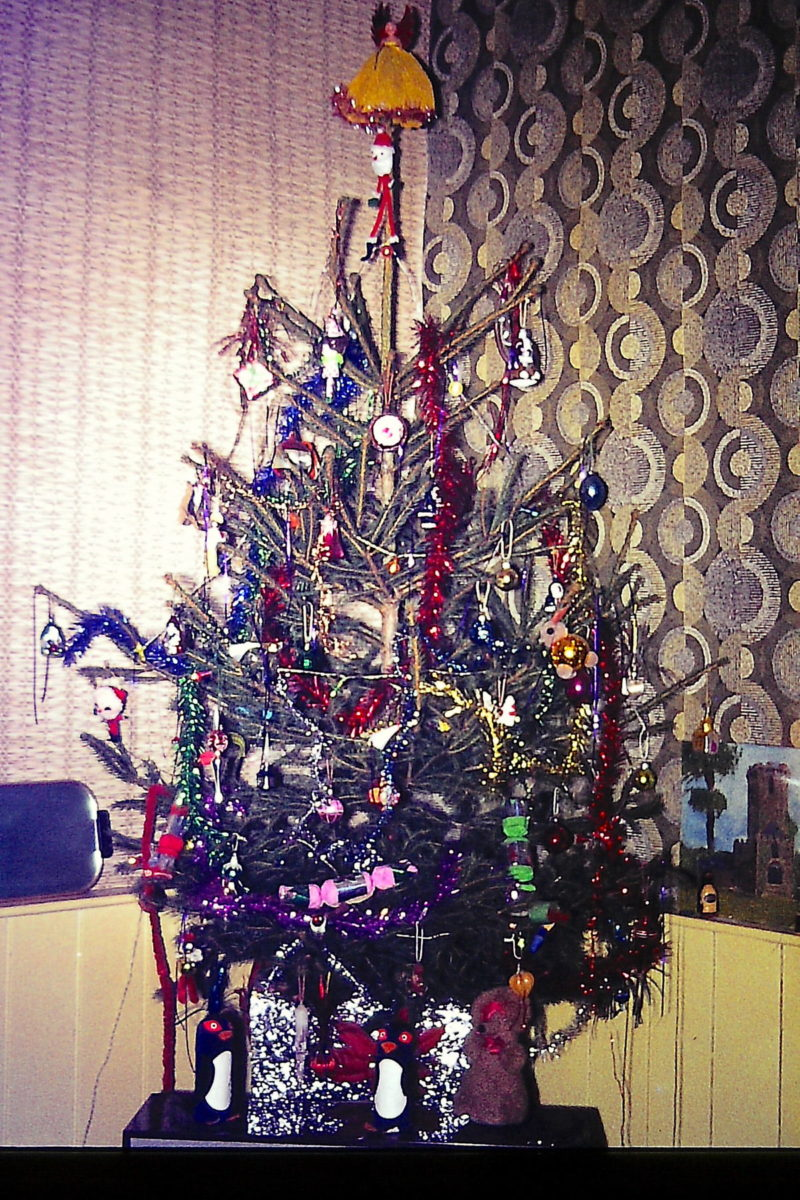 Christmas tree in Geoff Stonebanks' lounge 1971