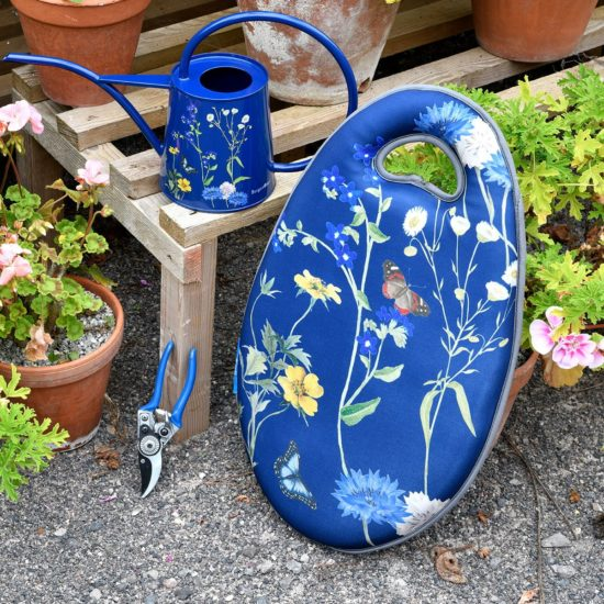 Burgon & Ball British Meadow Collection Kneelo Kneeler, watering can and secateurs