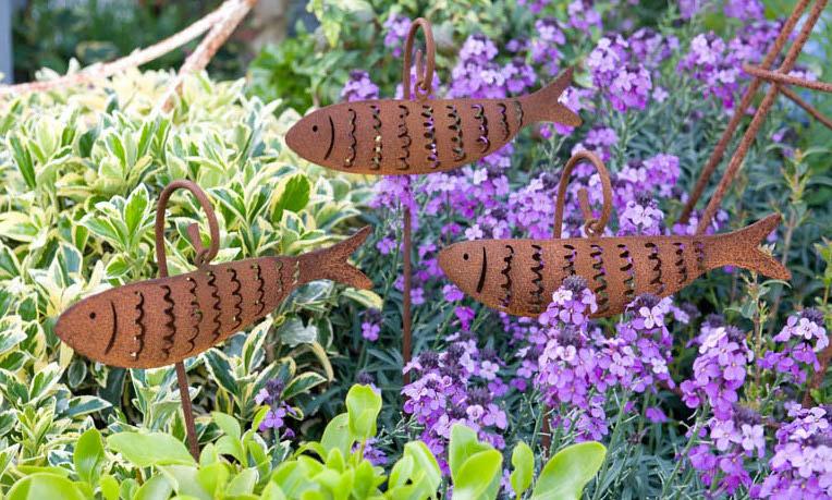 fish sculptures at Driftwood garden