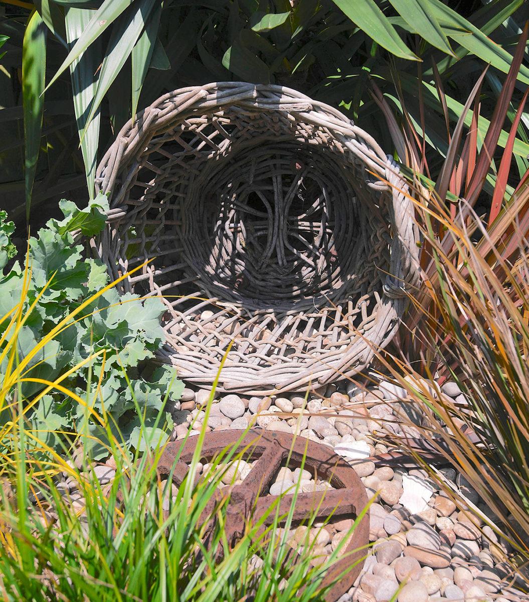 fish basket Driftwood garden