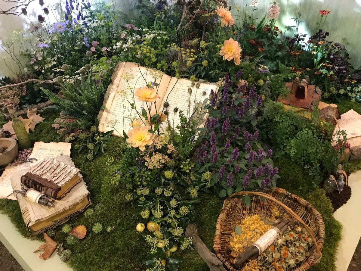 Floral Design at RHS Chelsea Flower Show 2021